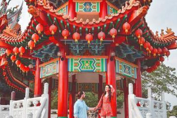 Ngôi chùa vạn đèn lồng đỏ rực giữa trời Kuala Lumpur