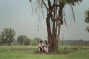 Hình ảnh làng quê Nam Bộ xưa yên bình trong MV mới của Quốc Thiên