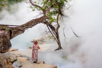Dòng sông nóng nhất thế giới ở Peru