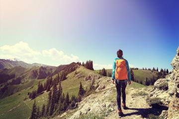 Bỏ túi bí quyết tiết kiệm tiền khi đi du lịch một mình