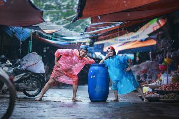 Bật mí 10 'bí kíp' cầnứng phó với thời tiết du lịch ngày mưa bão