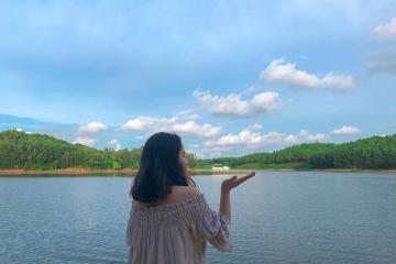 Lạc lối dưới khung trời mộng mơ tại Happy Hill Quảng Bình