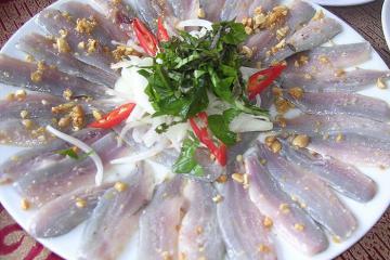 Gỏi cá trích Nam Ô - đặc sản mang đậm hương vị biển Miền Trung