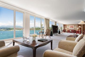 Có gì bên trong phòng khách sạn giá 80.000 USD/đêm?