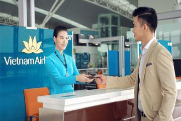 Hành khách của Vietnam Airlines đi từ Hà Nội được làm thủ tục qua điện thoại