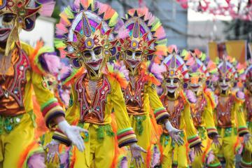 Không khí sôi động của những lễ hội tháng 10 nổi tiếng