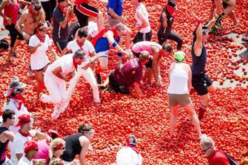 Hòa chung không khí các lễ hội truyền thống ở Tây Ban Nha