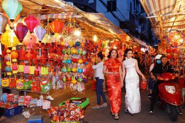 Check-in 5 phố lồng đèn cực chất tại Sài Gòn
