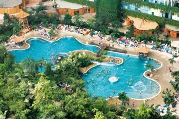 Resort sang chảnh được xây dựng từ kho máy bay cũ đổ nát