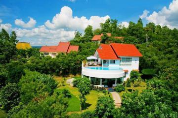 Ngất ngây trước vẻ đẹp sang chảnh của 5 resort view biển ở Phú Yên