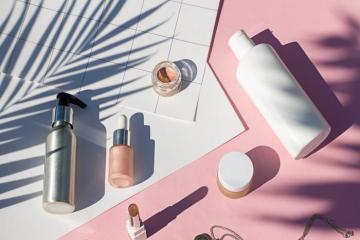 Top 10 sản phẩm làm đẹp nên bỏ túi khi đi du lịch