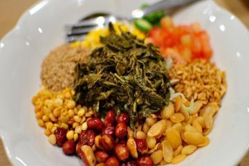 Salad lá trà và những món ăn đậm chất Myanmar