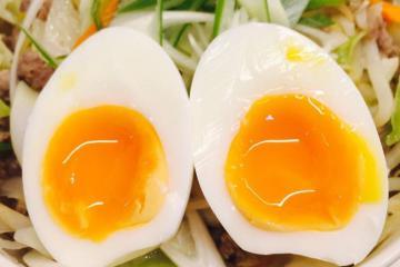 Cẩn thận với 8 loại thực phẩm dễ bị đau bụng ảnh hưởng tới chuyến đi