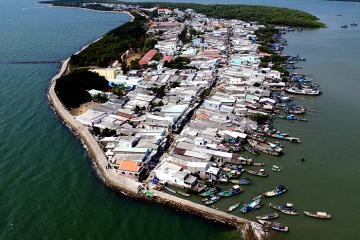 Cầm 500.000 đồng phá đảo xã đảo Thạnh An, ăn hải sản no nê