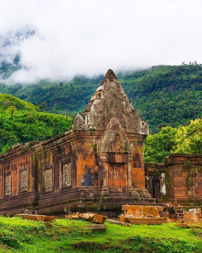 Du lịch Lào khám phá đền Wat Phou