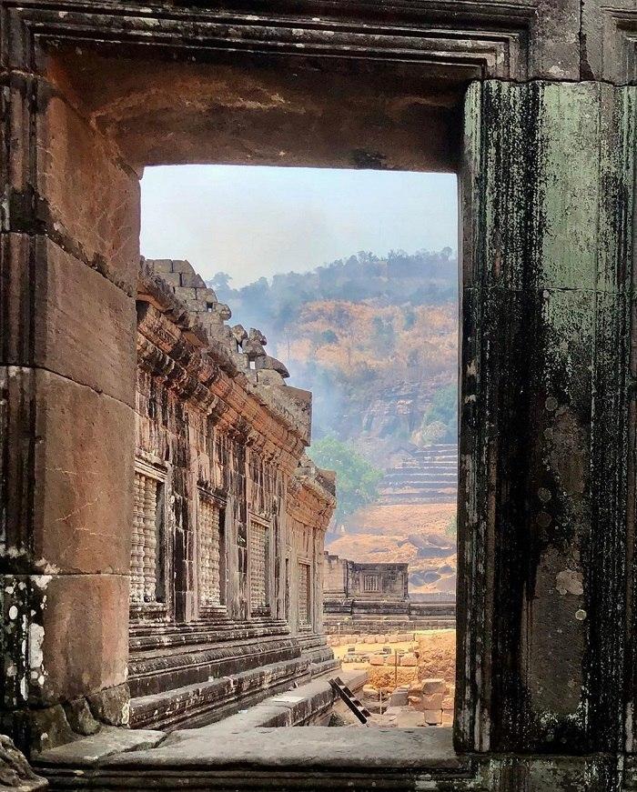 khung cảnh đền Wat Phou