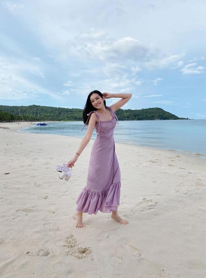 Trúc Diễm du lịch Phú Quốc tung tăng dạo biển