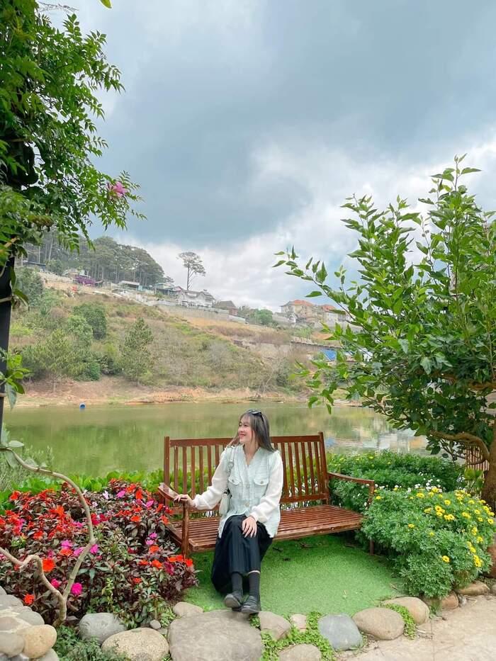 Lạc bước vào cổ trấn thơ mộng của riêng Đà Lạt – An Sơn Hồ đẹp tựa những thước phim