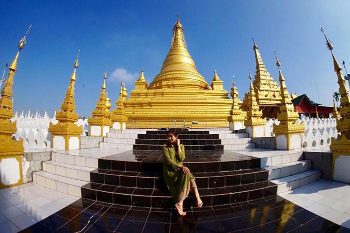 Công trình phật giáo bên cạnh chùa Kuthodaw rất yên tĩnh