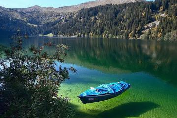 Blue Lake tại New Zealand - hồ nước sạch nhất thế giới