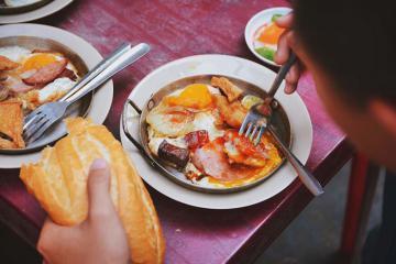 Những quán ăn Sài Gòn trên 20 năm tuổi vẫn hút khách nườm nượp