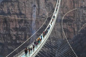 Cầu kính Trương Gia Giới và hàng loạt cầu khác ở Trung Quốc bất ngờ đóng cửa