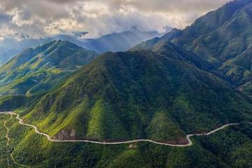 Mã Pí Lèng và những cung đường đèo thu hút phượt thủ Việt Nam