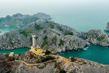 Du lịch đảo Long Châu, Hải Phòng – thăm ngọn hải đăng hơn 100 tuổi