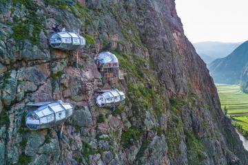 Khách sạn cheo leo trên núi ở Peru chỉ dành cho người thích cảm giác mạnh