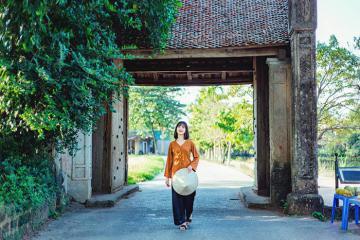 Hóa thân thành cô gái Bắc Bộ xưa tại làng cổ Đường Lâm