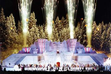 Hòa mình vào những lễ hội mùa đông sôi động ở Nhật Bản