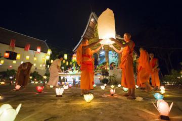 Hòa mình vào những lễ hội tháng 10 ở Thái Lan