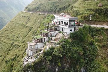 Chủ nhà hàng trên đèo Mã Pì Lèng: 'Công trình không đáng bị tháo dỡ'