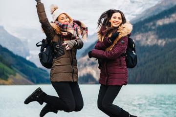 Mặc gì khi đi du lịch mùa lạnh vừa ấm, vừa thời trang?