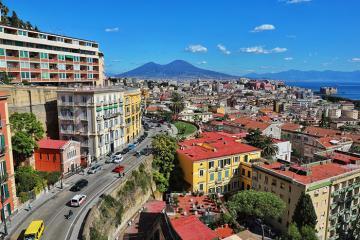 Ngắm nhìn Napoli tuyệt đẹp bên bờ Địa Trung Hải của Italy từ trên cao