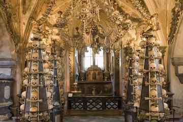 Nhà thờ xương người ở Czech không dành cho người yếu tim