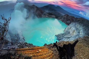 Du lịch Indonesia: Hành trình trong đêm khám phá núi lửa xanh Kawah Ijen