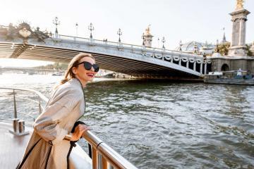 Bí quyết tránh đám đông khi du lịch Paris