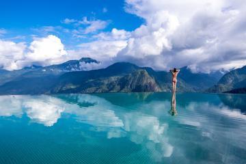 Cận cảnh 2 hồ bơi vô cực gây sốt tại Sapa
