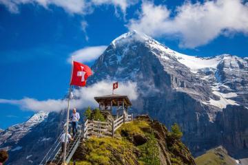 Lý do bạn nên du lịch Thụy Sĩ vào mùa đông này