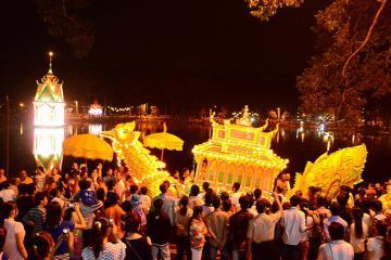 Du lịch Trà Vinh tháng 11 tham gia lễ hội Ok Om Bok cùng đồng bào Khmer