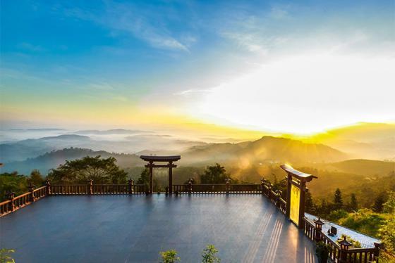 Khám phá 7 cổng trời có view đẹp như tiên cảnh ở Việt Nam