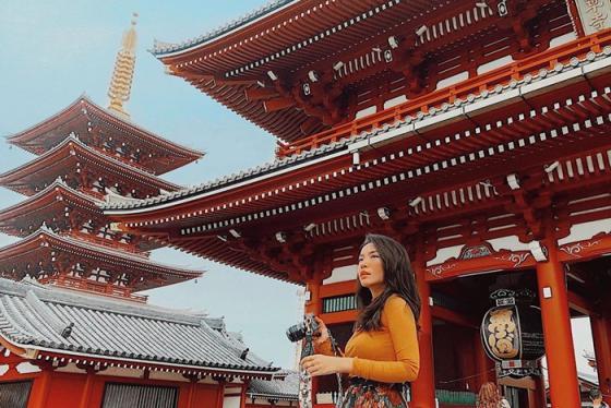 Học travel blogger Hà Trúc công thức pose hình ngàn like khi đi du lịch