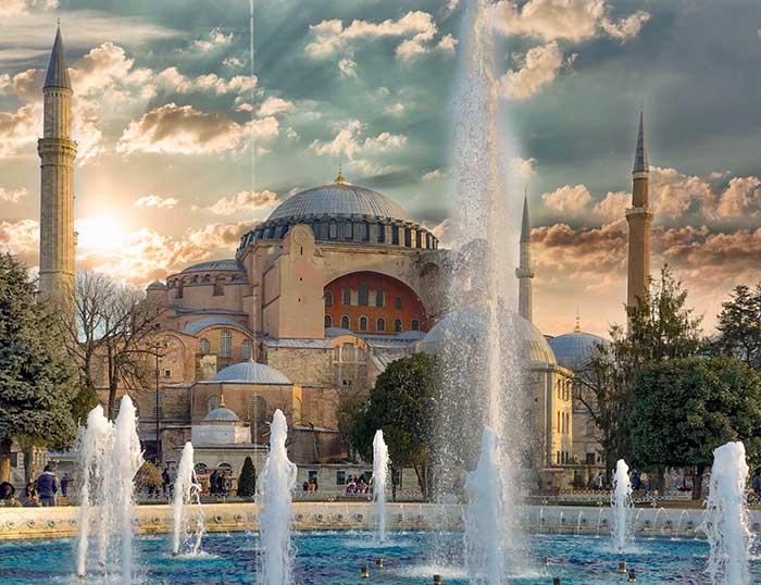 Khám phá bảo tàng Hagia Sophia tkhi du lịch Thổ Nhĩ Kỳ
