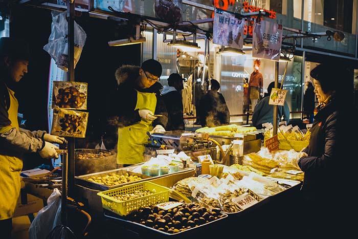Nhiều hàng quán sử dụng mánh khóe lươn lẹo về giá cả như một trò lừa đảo ở Hàn Quốc