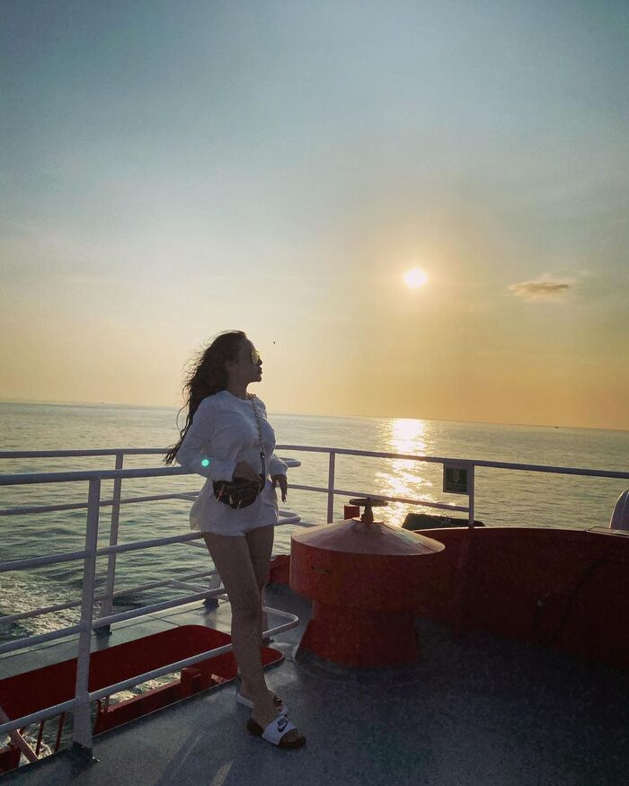 Watch the romantic sunset on the sea.Photo: @elbelili27