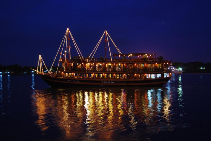 du thuyền trên sông Sài Gòn 3