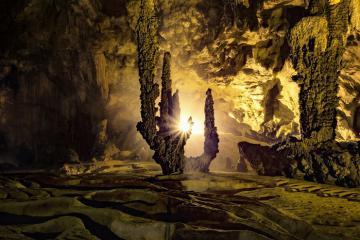 Động Ngườm Ngao - 'kiệt tác của thiên nhiên' không thể không ghé thăm khi du lịch Cao Bằng