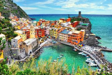 Du lịch Châu Âu: 'Phải lòng' vẻ đẹp những con phố rực rỡ sắc màu