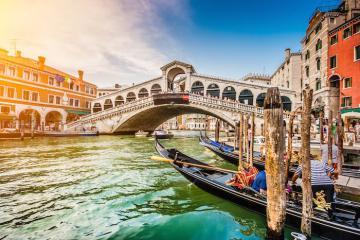Du lịch Venice, ngắm bình minh trên quảng trường đẹp nhất nước Ý